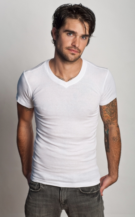 Ribbedtee-mens-white-v-neck-undershirt-01
